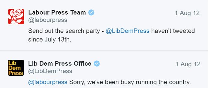Labour VS Lib Dem - Twitter bejegyzés.